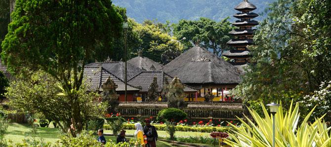 Bali Day 7 – Pura Ulun Danu Bratan – Bali's iconic water temple